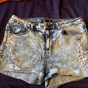 Distressed shorts!